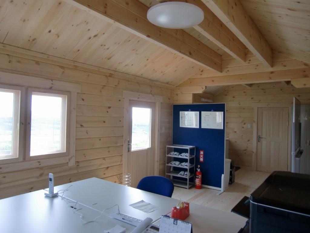 4-6名様用の管理事務所として使用しています。事務所部分が14畳、水廻り部分が3畳」です。